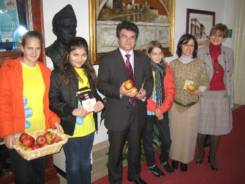 Osnovnoškolke u posjetu kod gradonačelinka