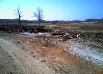 Konačno očišćeno divlje smetlište na bijelom putu od Dračevca prema gradskoj deponiji 16.3.2005