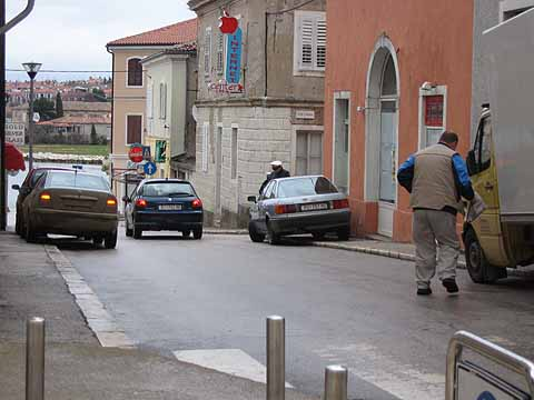 Usluga Poreč moli vozače da omoguće nesmetan promet ulicama Poreča
