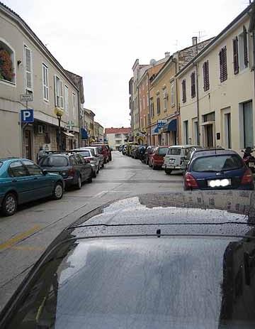 Porečke teme: parkiranje na pločnicima i slično