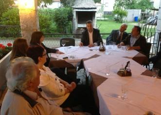 Kandidat za gradonačelnika gosp. Ljubo Kosić sa članovima svoje liste danas na druženju sa građanima Žbandaja