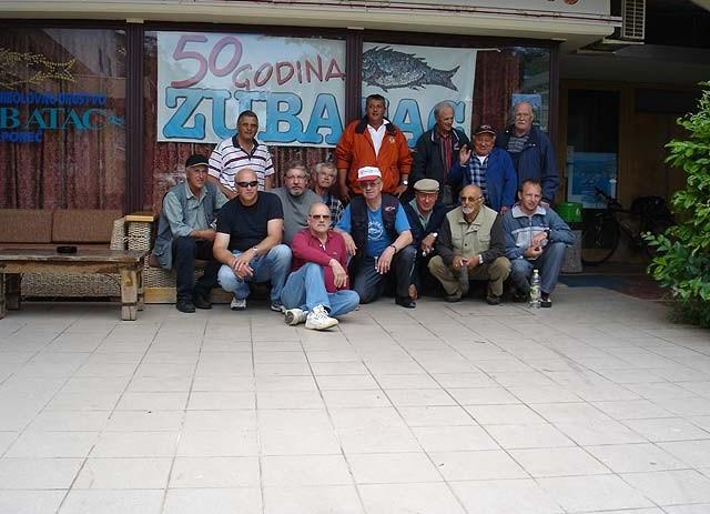 Članovi ŠRD Zubatac čiste male otočiće porečkog akvatorija