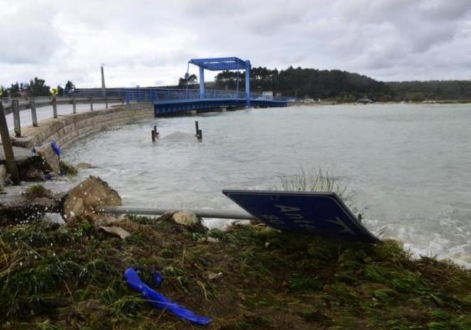 Poplavljena Labinština, zatvorena cesta u Antenalu