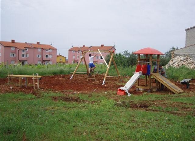 Igrala za djecu u Žbandaju, Radošima i Muntižani