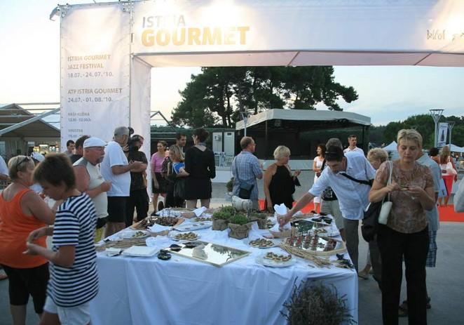 Večer boškarina oduševila brojne umaške goste četvrtog dana Istria Gourmet and Jazz Festivala
