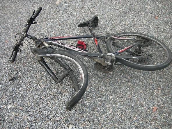 Porečan (28) zbog brzine prešao na suprotnu stranu i 'pokosio' biciklista