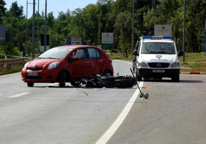 Poreč: U prometnoj nesreći poginuo motociklist