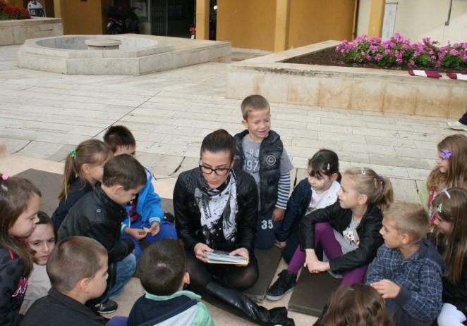 Predstavnice Grada Poreča čitale djeci na Trgu slobode
