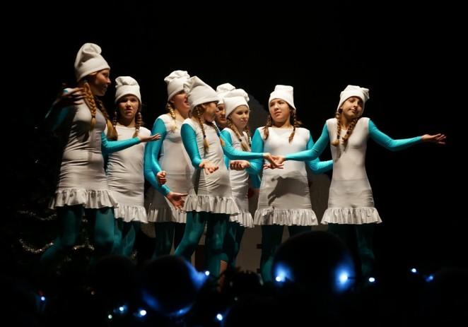 Plesači Udruge MOT08 izveli svoj Božićni program