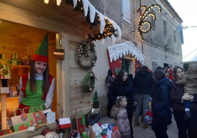Otvorena Kuća Djeda Mraza u Kašteliru