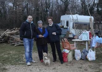 Kosani Vidović stigli hrana, odjeća, drva za ogrjev