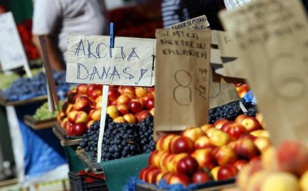Jedemo tuđe smeće: izvozimo prvoklasnu robu, a uvozimo stare jabuke i smrznuto meso