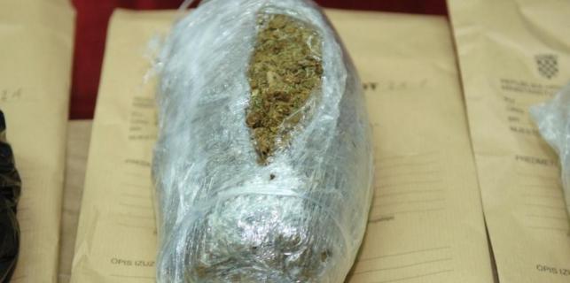 Porečani pod istragom: Za marihuanu imali 22 kupca