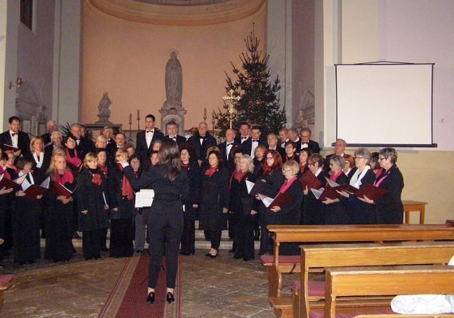 Mješoviti zbor Joakim Rakovac održao tradicionalni koncert u crkvi Gospe od anđela