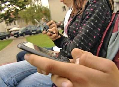 Tableti i pametni telefoni uzrok premalo sna kod djece