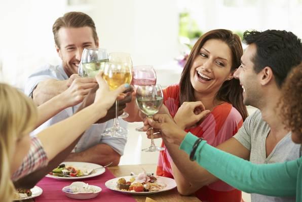 PIĆE BOGOVA 19 razloga zašto biste si IZ OVIH STOPA trebali natočiti čašu vina