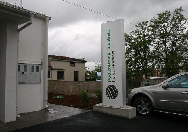 Otvoren Poduzetnički inkubator u Žbandaju