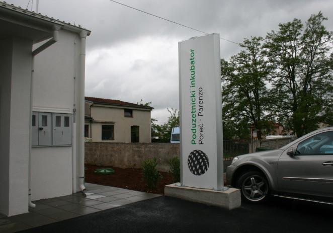 Javni poziv za dodjelu poslovnih prostora postojećim poduzetnicima i poduzetnicima početnicima u zgradi bivšeg Društvenog doma Žbandaj
