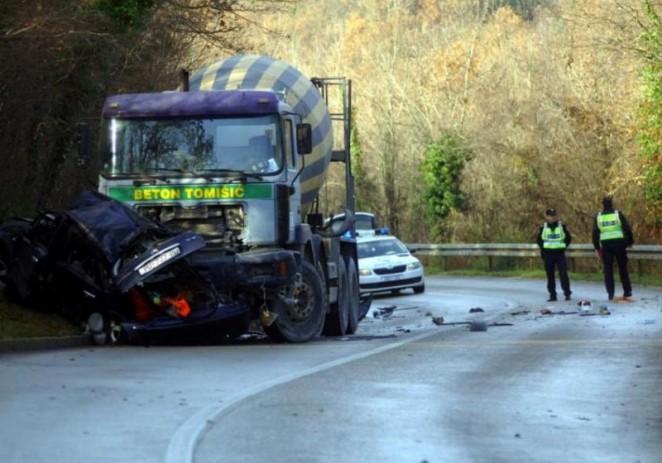 Jedna osoba poginula u nesreći na cesti Vrsar-Flengi