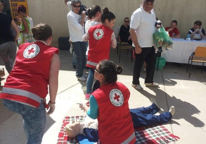 U Tjednu Crvenog križa od 8. do 15. svibnja 2016. GDCK Poreč organiziralo je različite aktivnosti na cijeloj Poreštini