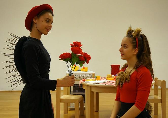 Umjetnička škola Poreč organizira predstavu Ježeva kućica u utorak 17. svibnja 2016. godine u 19,30 sati u Kazališnoj dvorani Pučkog otvorenog učilišta Poreč