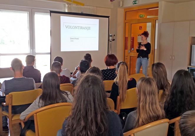 Učenici SŠ Mate Balote u Domu za starije i nemoćne osobe Poreč