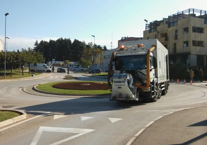 Hrapavljenje asfalta na kružnom toku u ul. županije Somogy za veću sigurnost prometa
