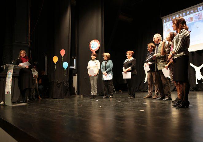 Stotinjak Porečana ispunilo je kazališnu dvoranu u utorak navečer kako bi se zajedno prisjetilo na 20 godina Društva Naša djeca Poreč