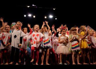 Plesači Studija MOT 08 ponovno su svojom novogodišnjom produkcijom iznenadili i oduševili