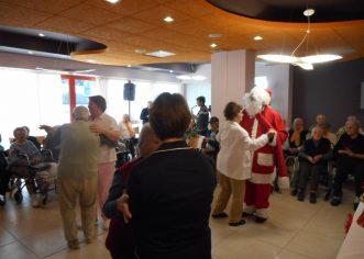 Druženje uz Djeda Mraza u Domu za starije