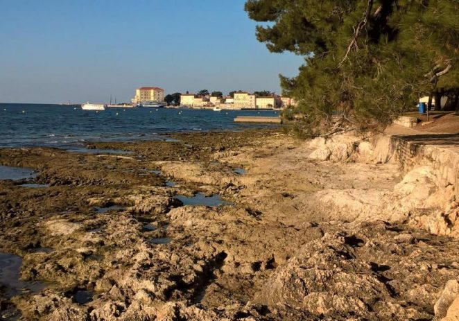 Soljenje mora: uz skorašnje uređenje porečke plaže između Naftaplina i Kupališta