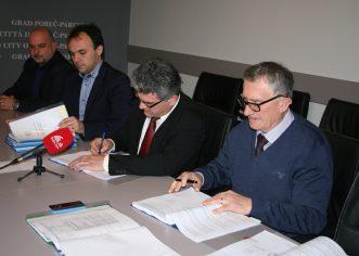 Potpisan ugovor za rekonstrukciju i dogradnju zgrade osnovne škole u Žbandaju