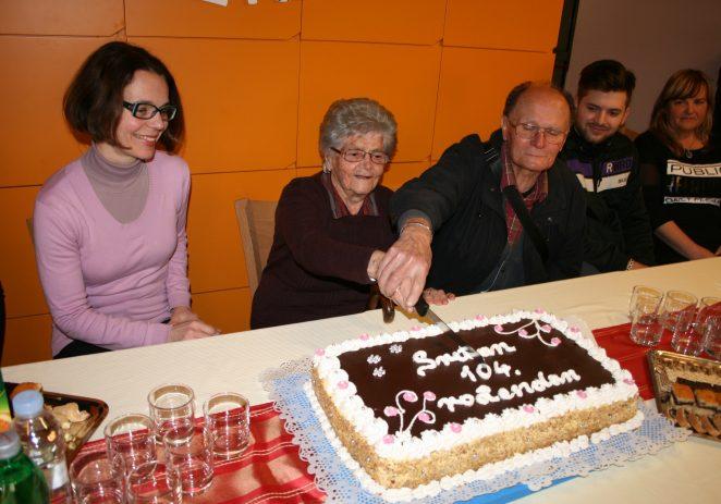 Najstarija Porečanka Štefanija Žužić proslavila 104. rođendan u Domu za starije i nemoćne