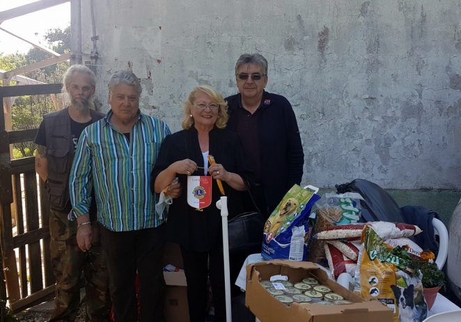 Članovi Lions Cluba Poreč posjetili azil za pse u Pazinu i predali donaciju