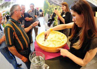 Radionica i degustacija skute, meda i vina