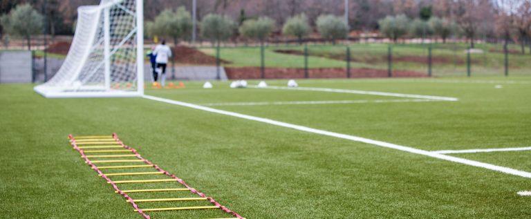 Nogometni teren