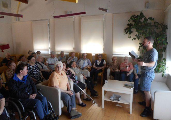 U Domu za starije i nemoćne osobe Poreč literarnu grupu obogatilo je gostovanje književnika Zorana Antičevića