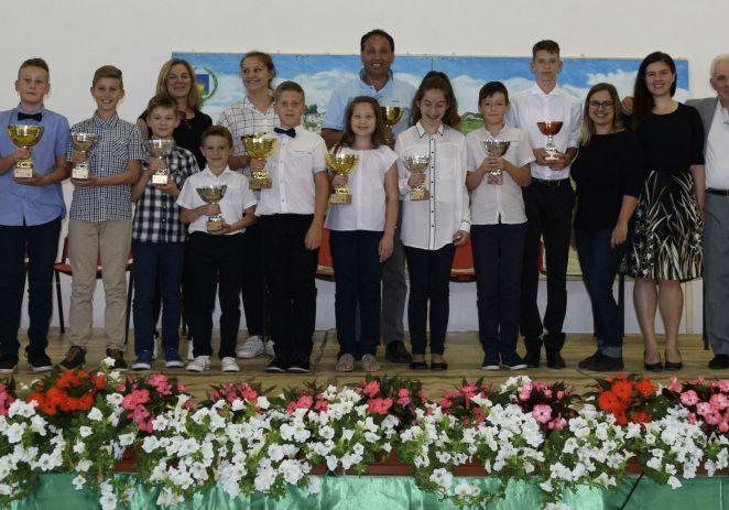 Porečki harmonikaši osvojili 12 prestižnih nagrada i pokala na 26. Međunarodnom festivalu harmonike u Erbezzu  (Italija)