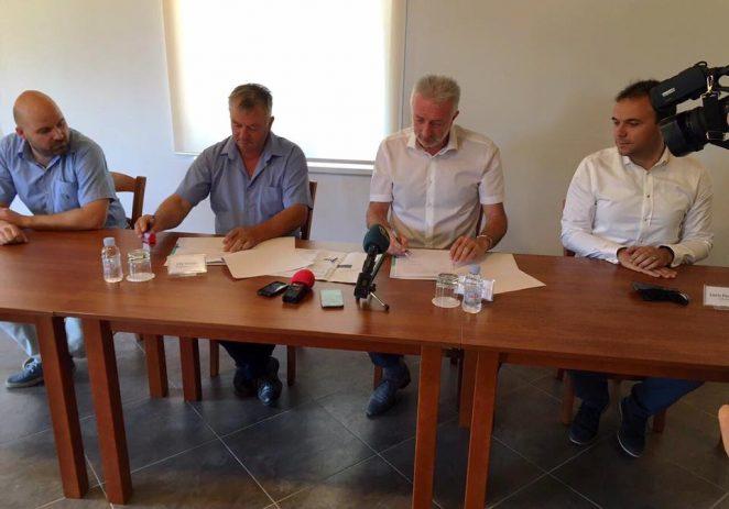 U Društvenom domu Fuškulin potpisan Ugovor o izvođenju radova na dogradnji groblja u Fuškulinu