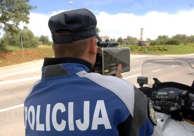 Policija nabavlja opremu za nadziranje brzine vožnje