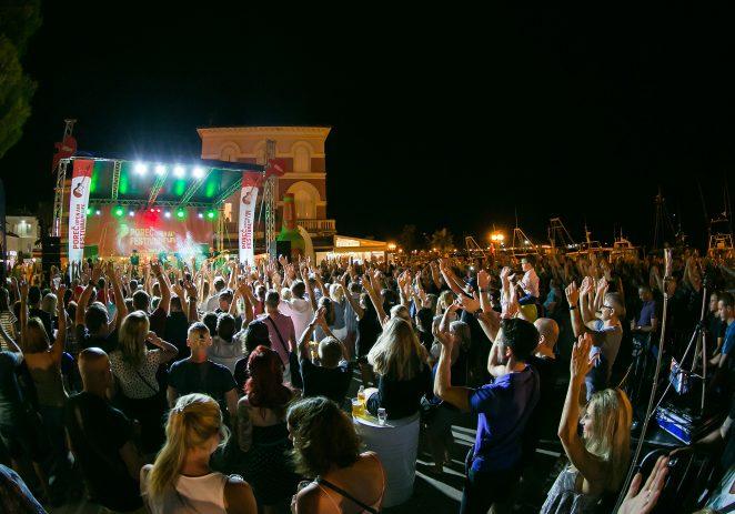 Porečka Riva plesala uz žestoke ritmove Bon Jovija