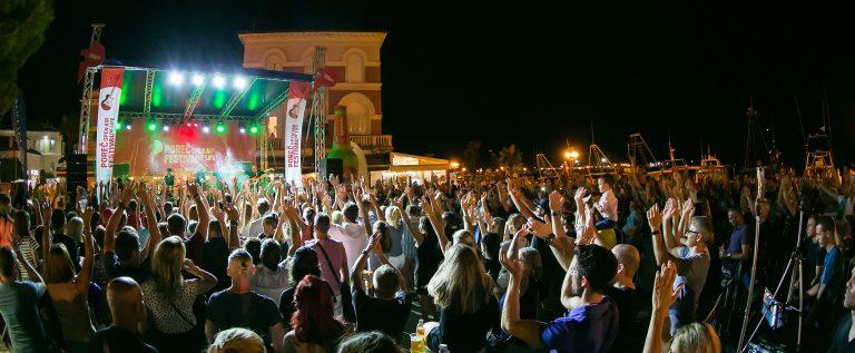 Porečka Riva plesala uz žestoke ritmove Bon Jovija (12)
