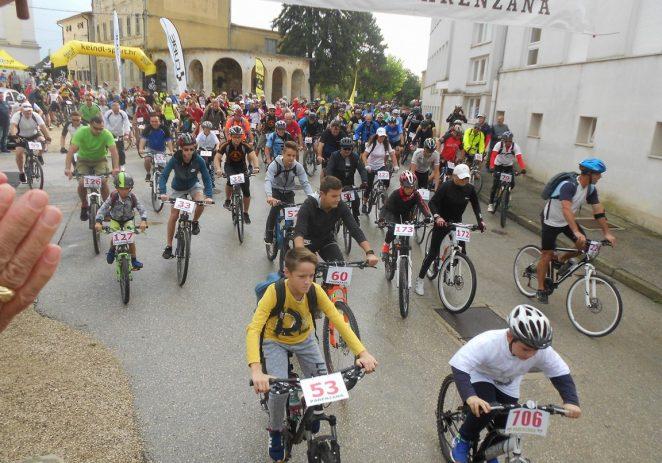 Na biciklističkom maratonu Parenzana 374 biciklista