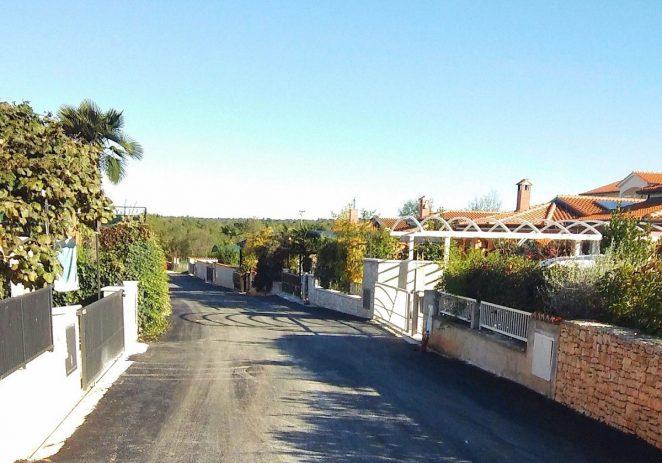 Ulica Pjantade u Varvarima dobila asfalt