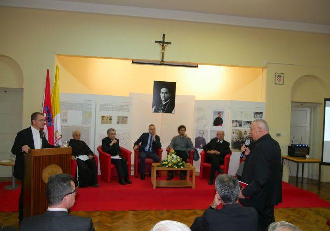 U Pazinu održan znanstveni skup posvećen 70. obljetnici uspostave Apostolske administrature u Pazinu, 40. obljetnici ujedinjenja Crkve u Istri te mons. Dragutinu Nežiću