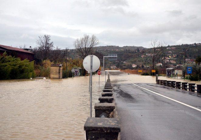 Zbog poplave zatvorena granica na Plovaniji!