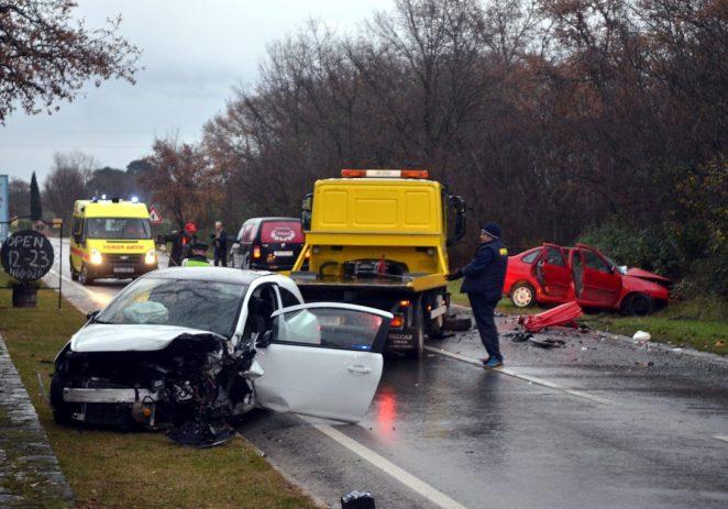 U frontalnom sudaru kod Buići smrtno stradala jedna osoba iz Pazina