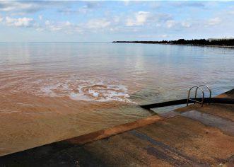 U porečkom naselju Špadići s gradilišta se blato i mulj ispumpavaju u more