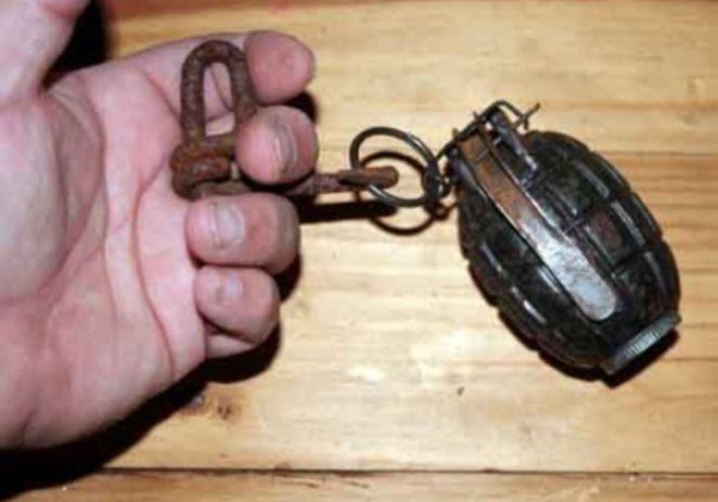 Šetao po Montrakeru i pronašao ručnu bombu M75