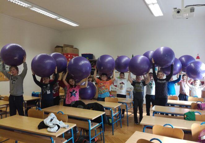 U 2. razred područne škole Vižinada uvedene pilates lopte za sjedenje